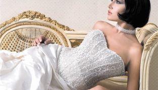 Primavera periodo dei matrimoni: come scegliere l'abito da sposa