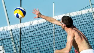 Beach volley, come tenersi in forma divertendosi