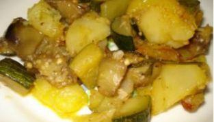 Contorno di patate, melanzane e zucchine
