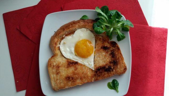 Toast di San Valentino a forma di cuore