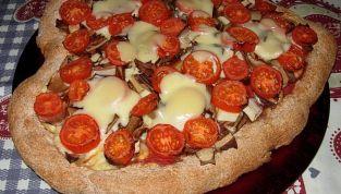 Pizza a forma di cuore, per un San Valentino gustoso
