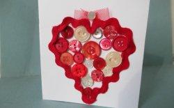 Biglietto di San Valentino fai da te con bottoni