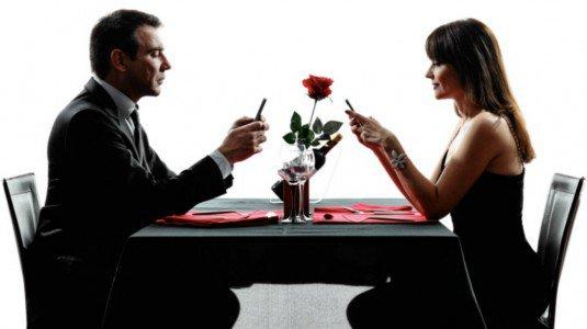 Iperconnessi a tavola for A tavola con guy