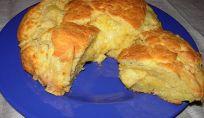 Pizza di Pasqua al formaggio, la colazione tradizionale dell'Italia centrale