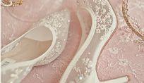 Scarpe da sposa in pizzo per il 2015: le proposte degli stilisti