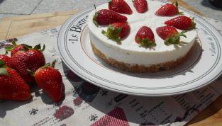 La primavera a tavola: cheesecake alle fragole