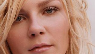 Tintarella di luna: 7 celebs che amano la pelle chiara