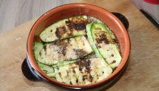 Zucchine alla griglia con erbe aromatiche