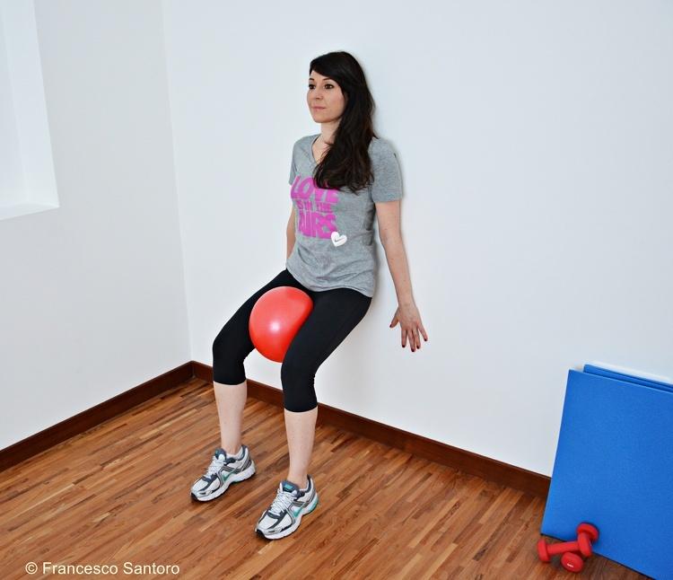 Esercizi per interno coscia per modellare gli adduttori for 5 esercizi per interno coscia