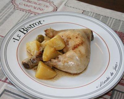 Pollo in padella con olive, un piatto ricco di gusto