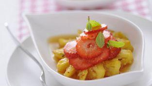 Ananas con la frutta