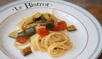 Pasta zucchine e pomodorini, un fresco piatto estivo