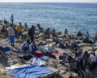 Frontiere bloccate a Ventimiglia: è scontro Italia - Francia