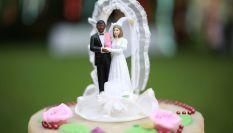 Come scegliere il cake topper per la torta nuziale