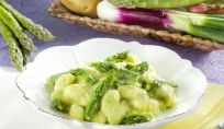 Gnocchi di uova agli asparagi