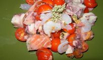 Insalata di pesce, un piatto anti caldo