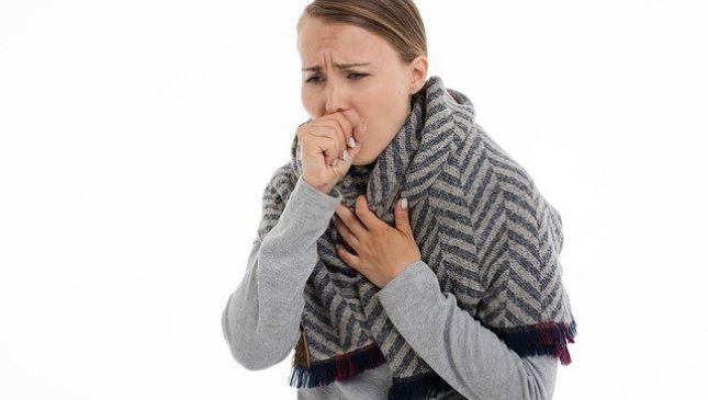 Dormire poco aumenta il rischio di prendere il raffreddore