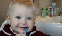9 consigli per prevenire carie denti da latte