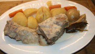 Bollito di carne, un classico della cucina italiana che non passa mai di moda