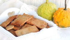 Biscotti salati alle castagne per un aperitivo originale
