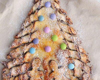 Albero di natale di pan brioche con Nutella