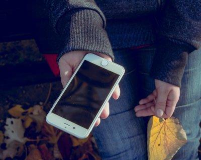 Come pulire lo schermo di smartphone e tablet
