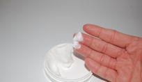 Trucchi e consigli per applicare la crema antirughe