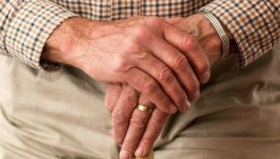 Ragadi alle mani: prevenzione e rimedi naturali