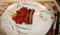 Salsiccia al forno con peperoni