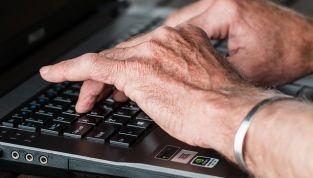 Artrite reumatoide: sintomi, cause e rimedi