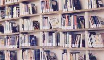 Biblioterapia: cura tramite romanzi e manuali di auto-aiuto