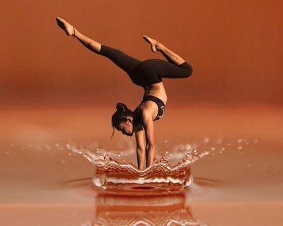 Tendenze fitness 2017: woga, lo yoga che si pratica in acqua