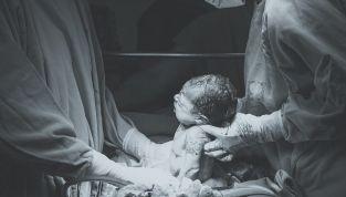 Le 4 fasi del parto