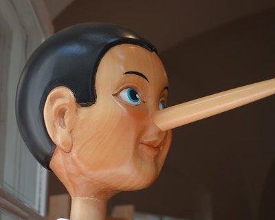 7 Azioni che indicano che stai mentendo