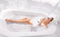Il bagno di sale e le sue molte proprietà, è anche un anticellulite naturale