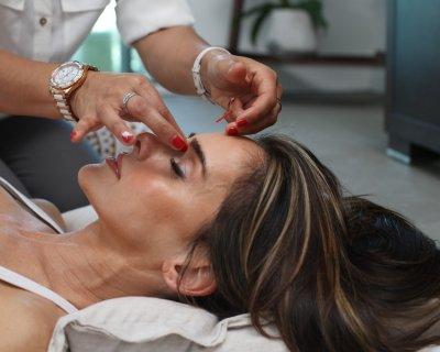 Agopuntura in sala parto, benefici e come si svolge