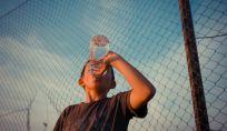 7 segnali del corpo che stai bevendo poco