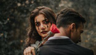 Halloween per due: lui e lei festeggiano la notte delle streghe