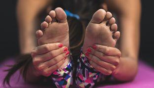 Conoscete lo yoga per i piedi? Si chiama toega
