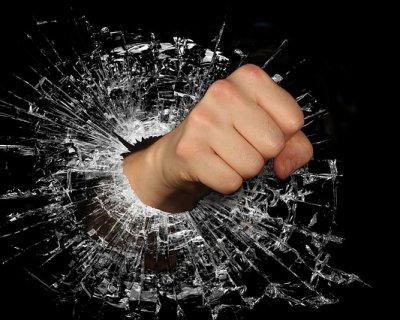 Come elaborare la rabbia: 7 consigli per gestirla al meglio