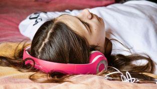 Attenzione al social jet lag: quando si dorme poco nei giorni lavorativi e troppo nel week end