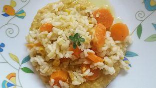Risotto con ceci e carote al profumo di limone e fieno greco