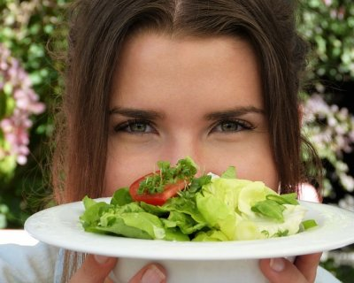 7 Cibi che non dovrebbero mancare nella dieta delle donne