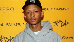 Jaden, figlio di Will Smith, distribuisce cibo vegan ai senzatetto