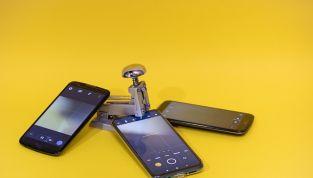 """Consigli per un uso """"smart"""" del cellulare per salvarsi dalle onde e preservare l'ambiente"""