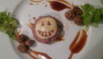 Mini hamburger di halloween con formaggio a forma zucca
