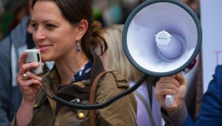 Hai il terrore di parlare in pubblico? Ecco come superarlo