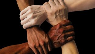 Amicizie tossiche: come riconoscerle