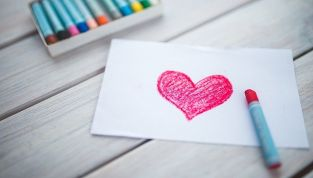6 Caratteristiche di donne che fanno innamorare