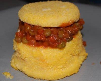 Bauletti polenta salsiccia e piselli